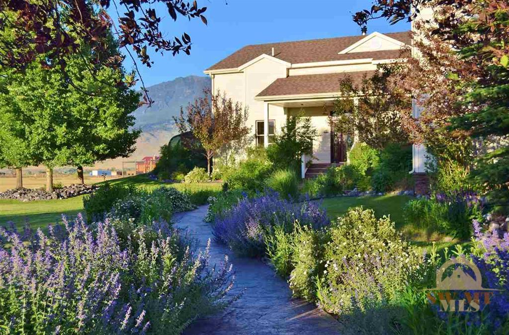 22 Hitching Post Lane Livingston Montana Live Water Property