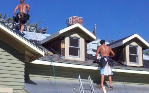Photo Bozeman Montana construction worker labor shortage is why houses are expensive in Bozeman.